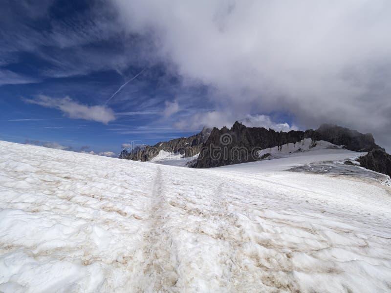 De winterlandschap van alpen royalty-vrije stock fotografie