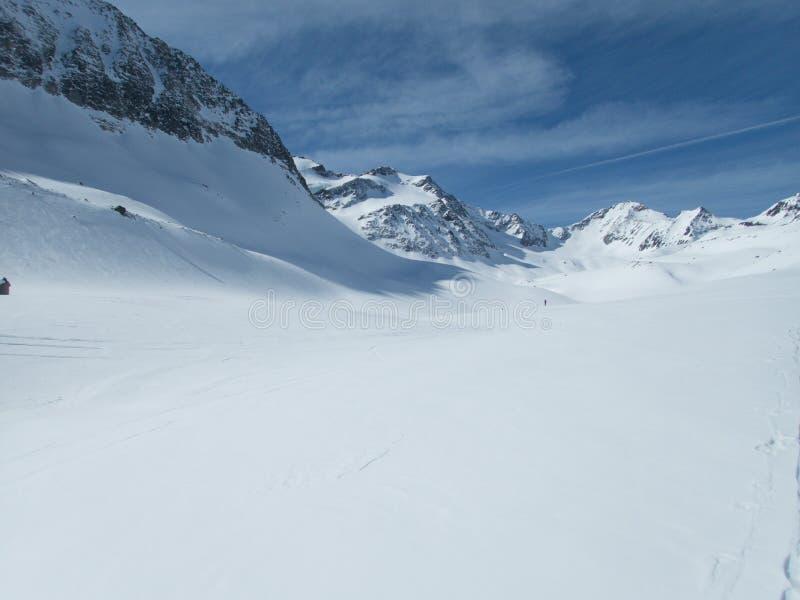 De winterlandschap voor het skitouring in otztal alpen in Oostenrijk royalty-vrije stock afbeeldingen