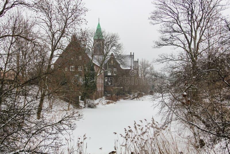 De wintermening van Svenska Gustafskyrkan dichtbij Fort Castellet in Kopenhagen, Denemarken stock afbeeldingen