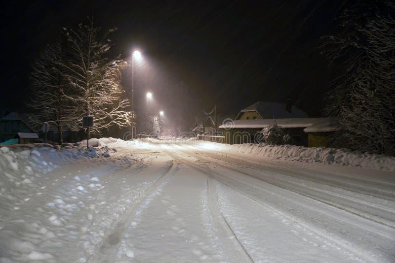De winternacht het Drijven royalty-vrije stock afbeelding