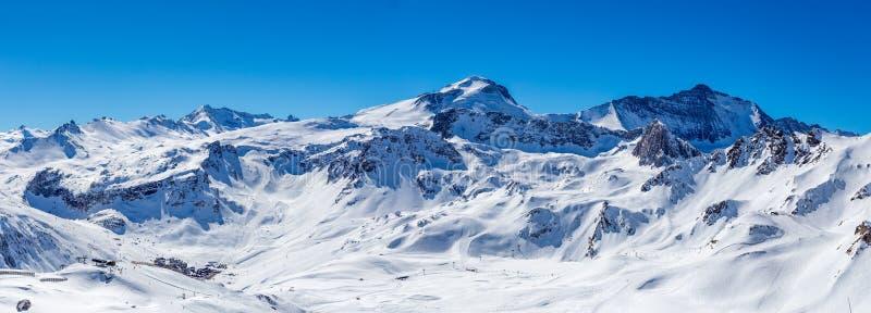 De winterpanorama Tignes stock afbeeldingen