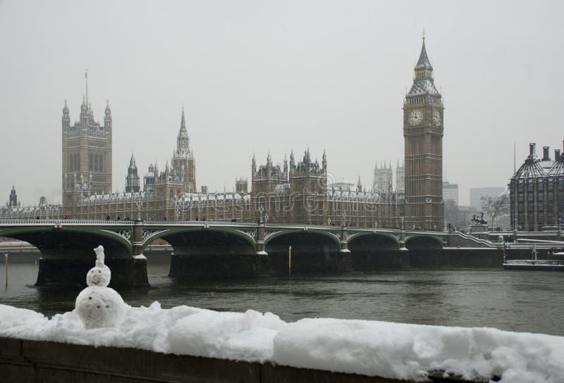 De wintersneeuwval van de Big Ben royalty-vrije stock afbeelding