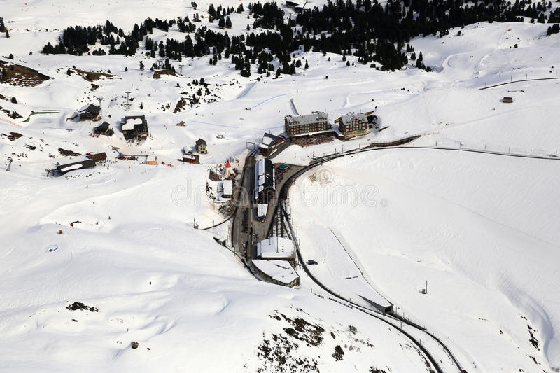 De wintersporten van de Alpen van Kleinescheidegg Zwitserland Zwitserse het ski?en mou stock foto