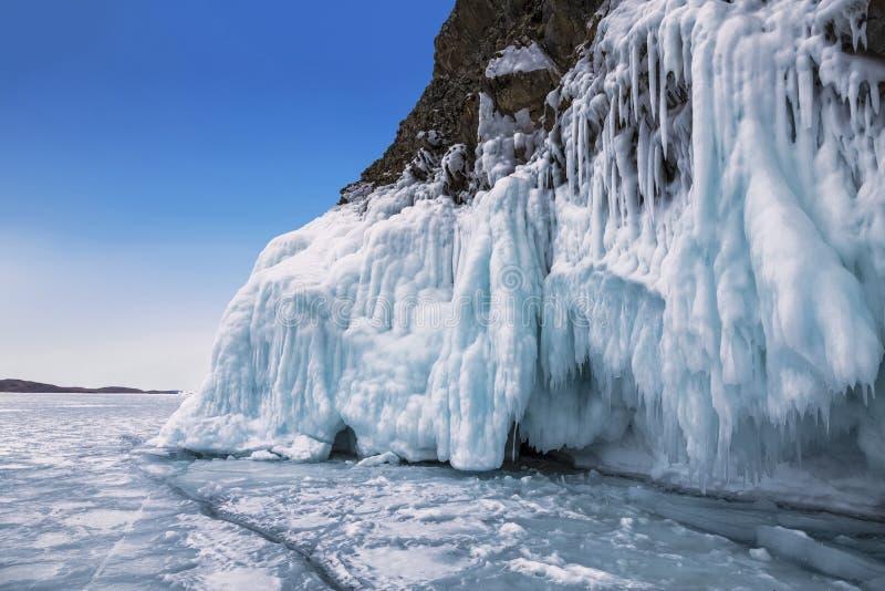 De wintersprookje op meer Baikal, Oostelijk Siberië, royalty-vrije stock foto's
