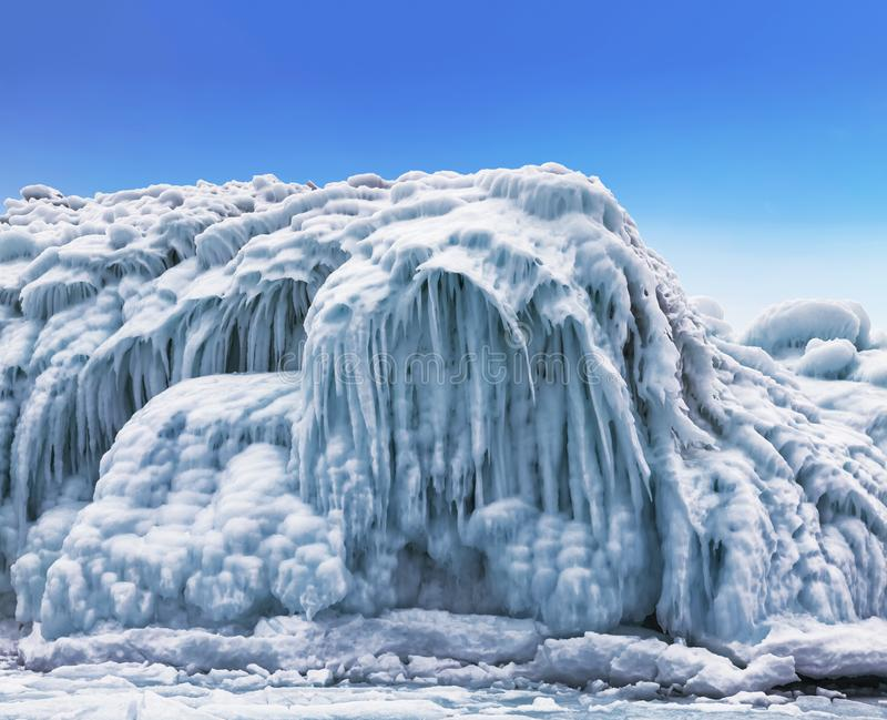 De wintersprookje op meer Baikal, Oostelijk Siberië, stock afbeelding