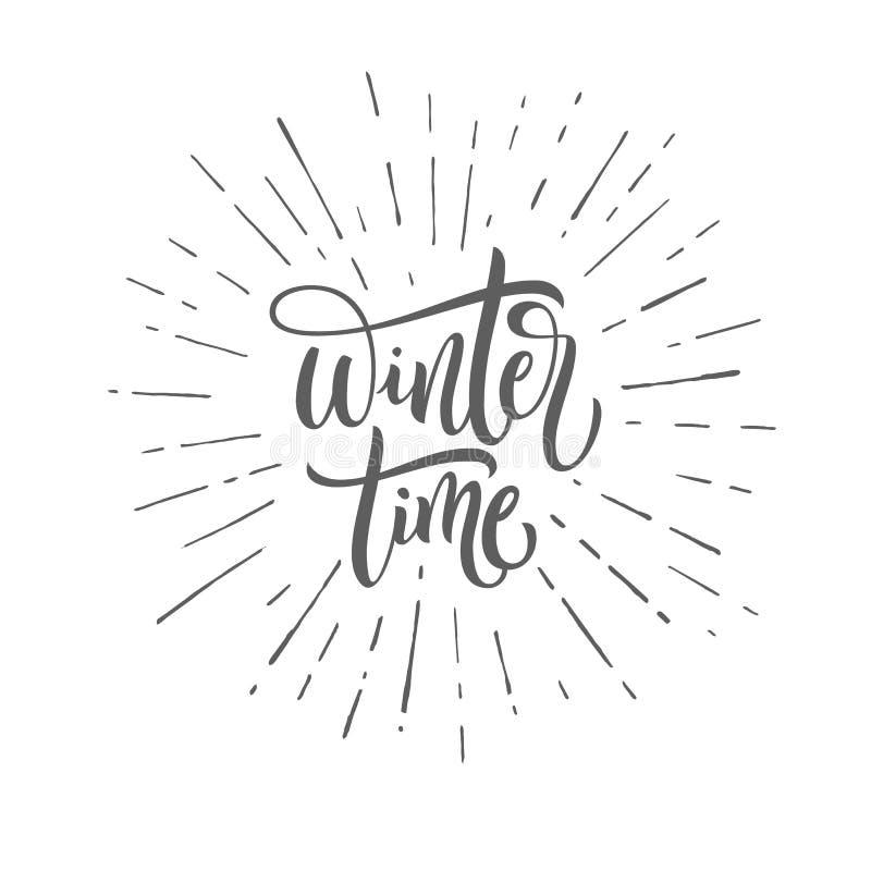 De wintertijd zwart-witte met de hand geschreven het van letters voorzien inschrijving Vectorhand getrokken groetkaart - de Winte vector illustratie