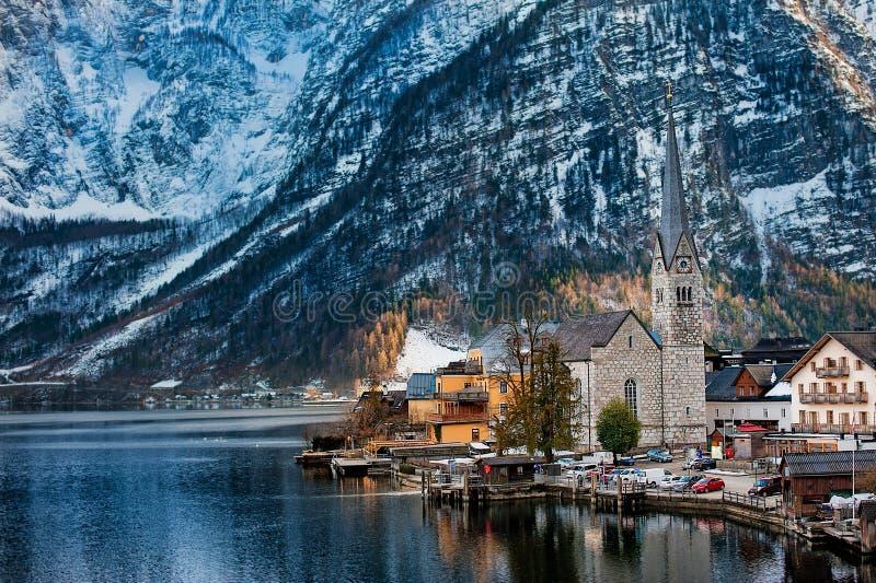 De winterweergeven van Hallstatt, Unesco-de erfenisplaats van de wereldcultuur Alpen, Oostenrijk stock foto
