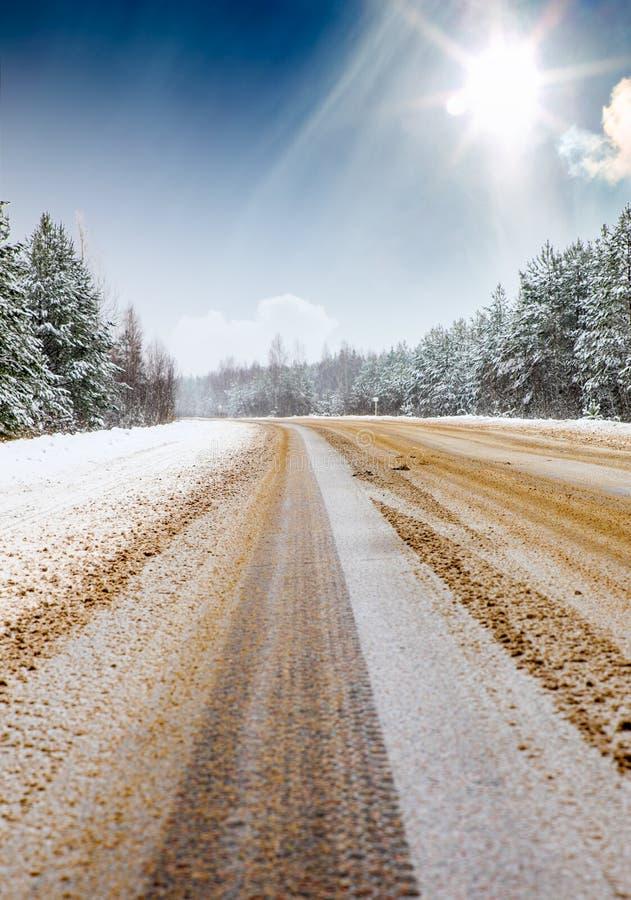 De winterweg stock foto's