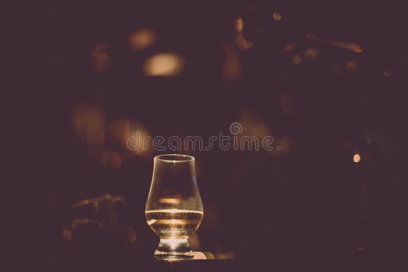 De wiskyglas van het Glencairn enig mout royalty-vrije stock foto's