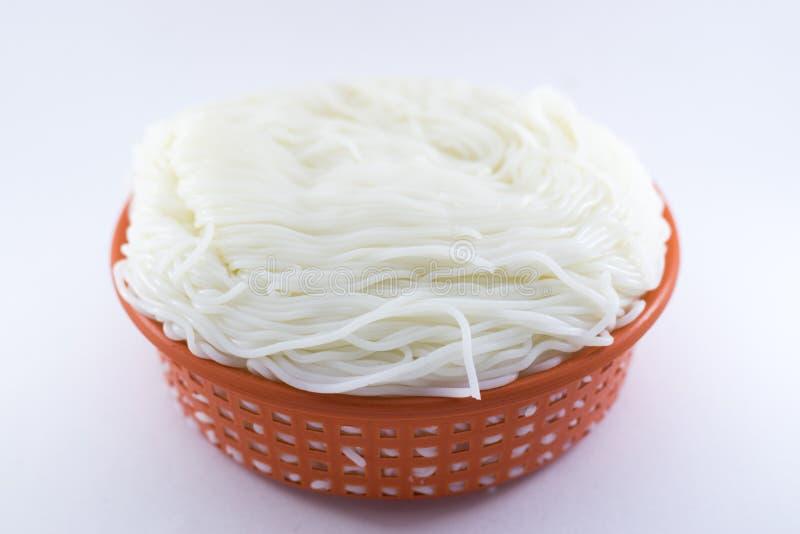 De Witte achtergrond van rijstvermicelli stock afbeelding