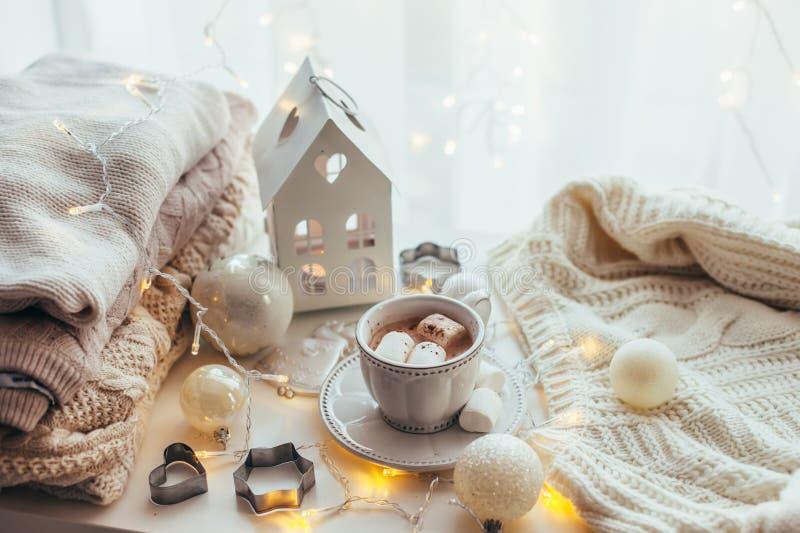 De witte decoratie van Kerstmis stock fotografie