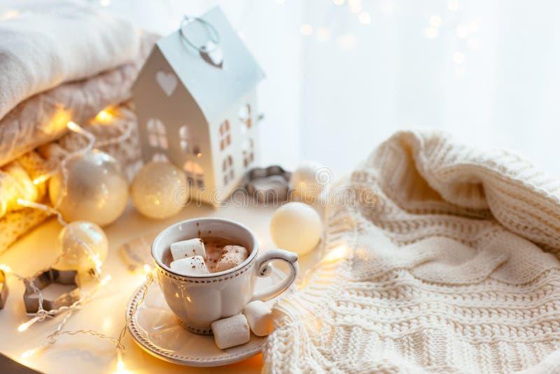 De witte decoratie van Kerstmis stock afbeeldingen