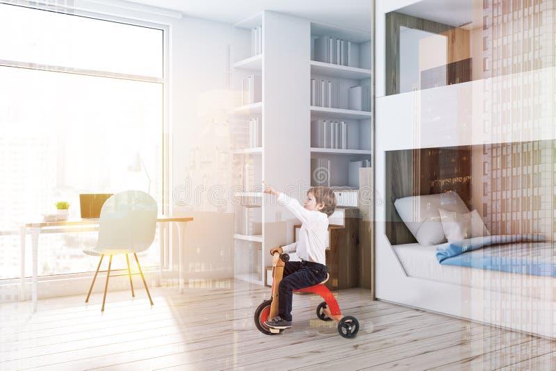 De witte hoek van de stapelbedslaapkamer, computerbureau, jongen stock fotografie