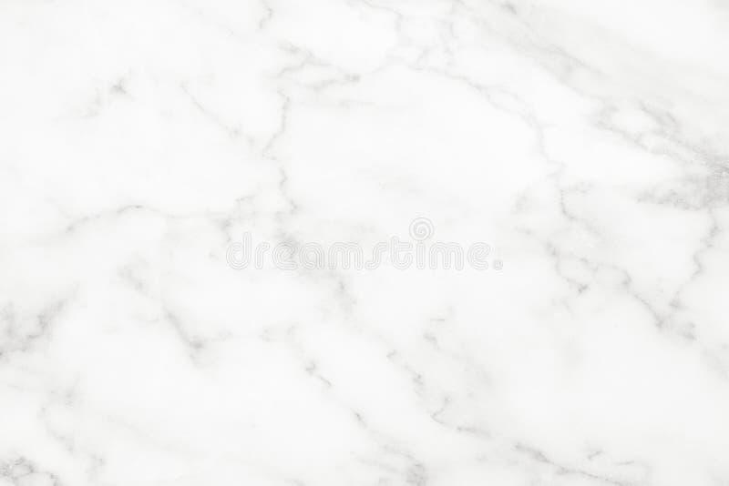 De witte marmeren oppervlakte voor doet de ceramische tegen witte lichte grijze achtergrond van de textuurtegel stock foto