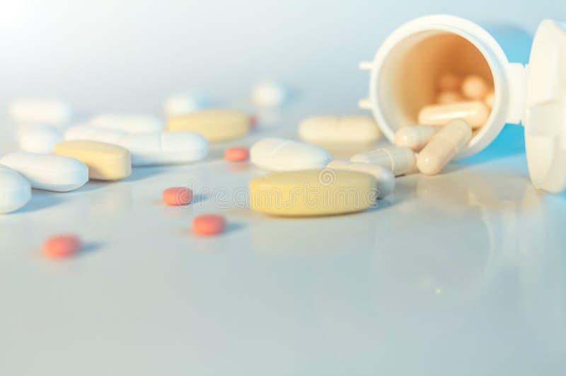 De witte morserij van Pillencapsules stock foto's