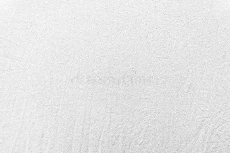 De witte natte verfrommelde textuur van het bedlinnen stock foto's