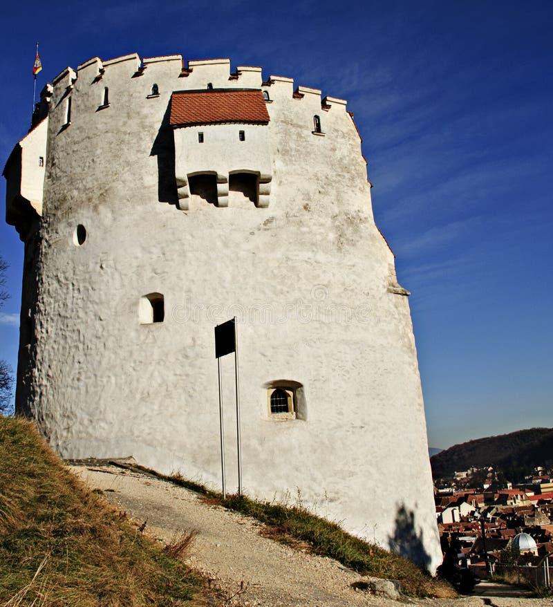 De witte toren van Brasov stock fotografie