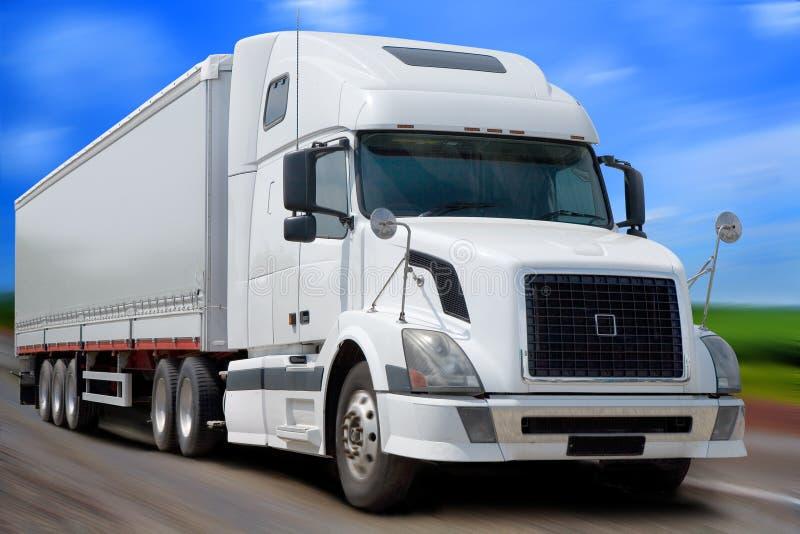De witte vrachtwagen royalty-vrije stock afbeelding