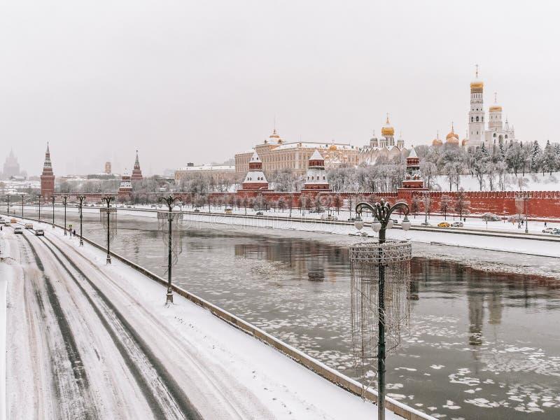 De witte winter in Moskou, Rusland royalty-vrije stock foto