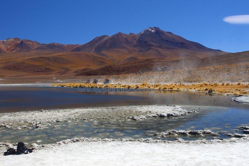 De woestijn en de berg van Bolivië stock afbeeldingen