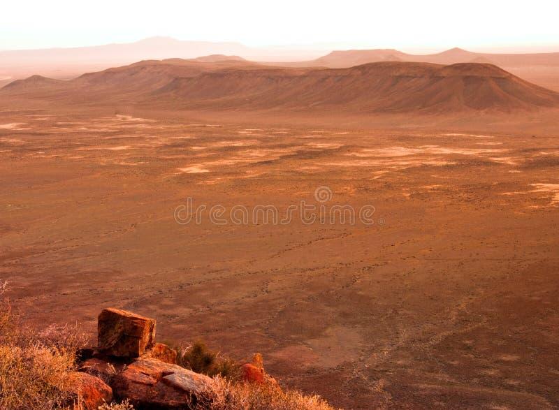 De woestijnzonsondergang van Karoo stock afbeeldingen