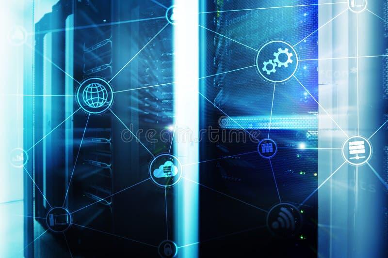 De wolken gegevensverwerking en mededeling van de technologieinfrastructuur Het concept van Internet stock fotografie