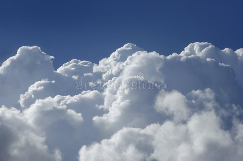 De wolken van de hoge hoogtecumulus royalty-vrije stock foto