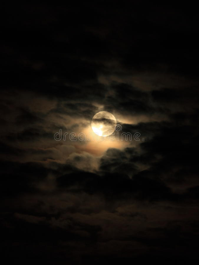 De wolken van de maan stock foto