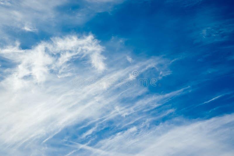 De Wolken van de winter royalty-vrije stock afbeeldingen