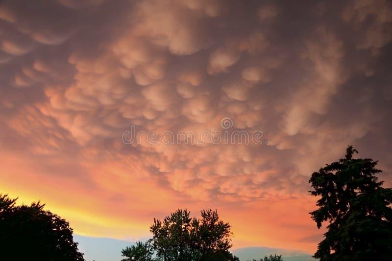 De Wolken van Mammatus royalty-vrije stock afbeeldingen