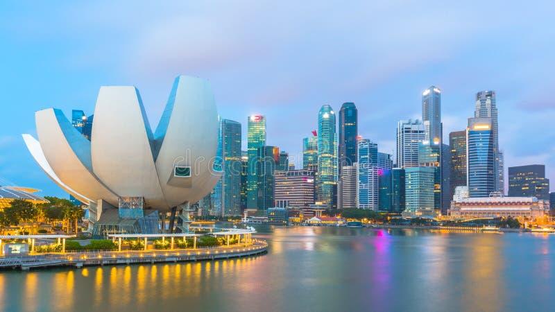 De wolkenkrabber centraal van bedrijfs Singapore district en financiële bui stock afbeeldingen