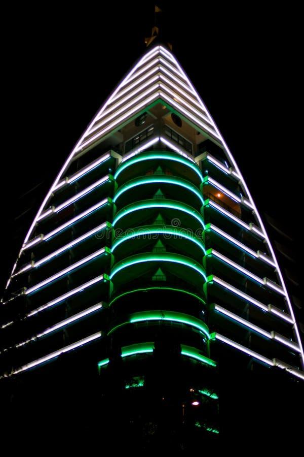 De wolkenkrabber van het neon royalty-vrije stock afbeelding