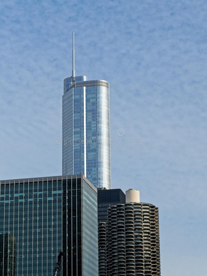 De Wolkenkrabberarchitectuur van Chicago met Dull Winter Sky royalty-vrije stock foto