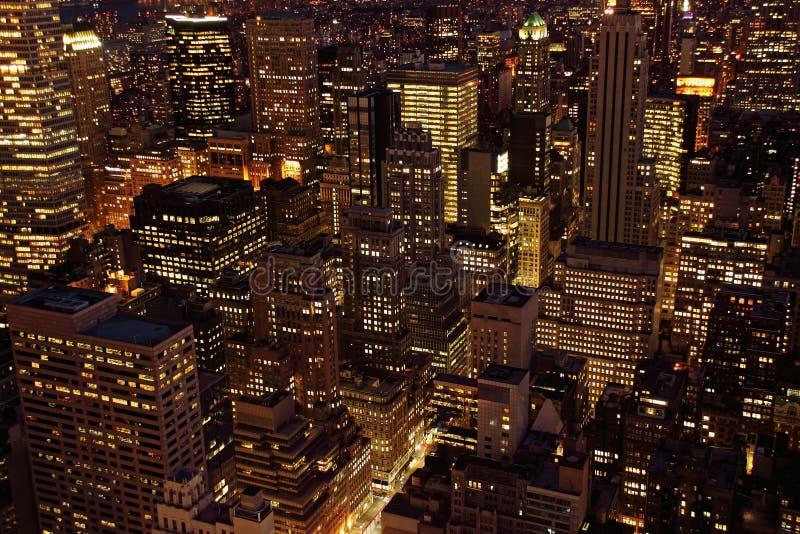 De wolkenkrabbers van Manhattan bij schemer royalty-vrije stock foto's