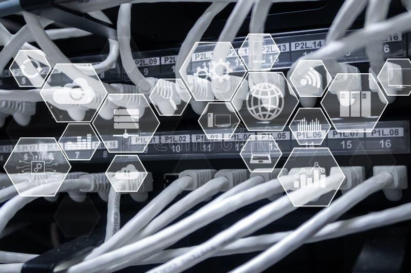 De wolkentechnologie en mededeling van de technologieinfrastructuur royalty-vrije stock fotografie