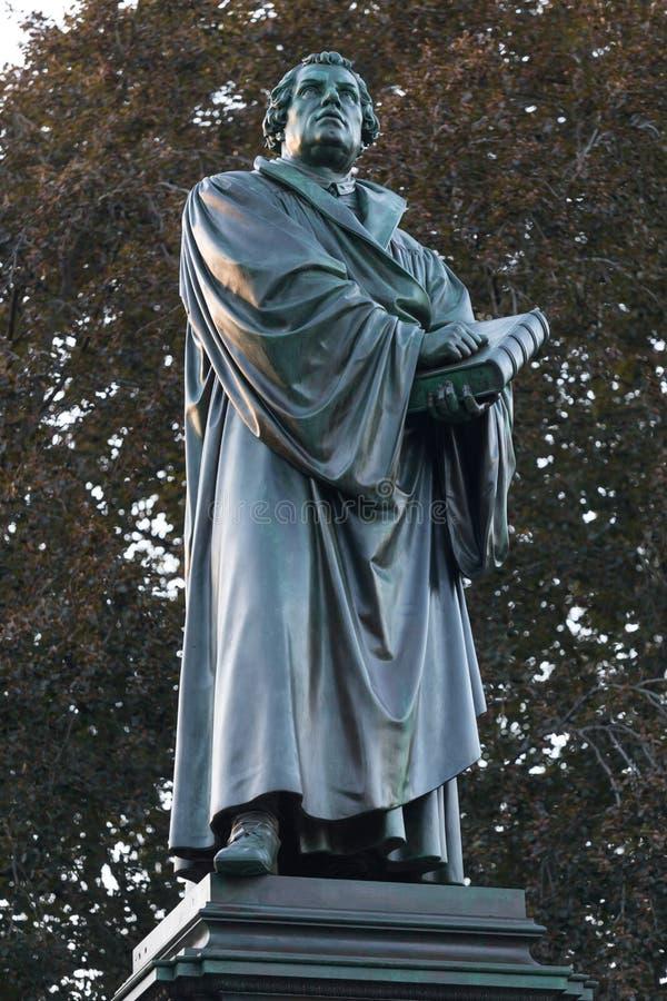 De wormen Duitsland van het Lutherstandbeeld stock afbeelding