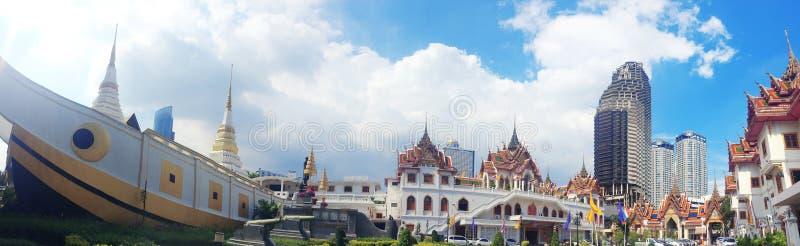 De Yannawatempel is een oude Boeddhistische die tempel, in het Sathon-district van Bangkok, Thailand wordt gevestigd royalty-vrije stock foto