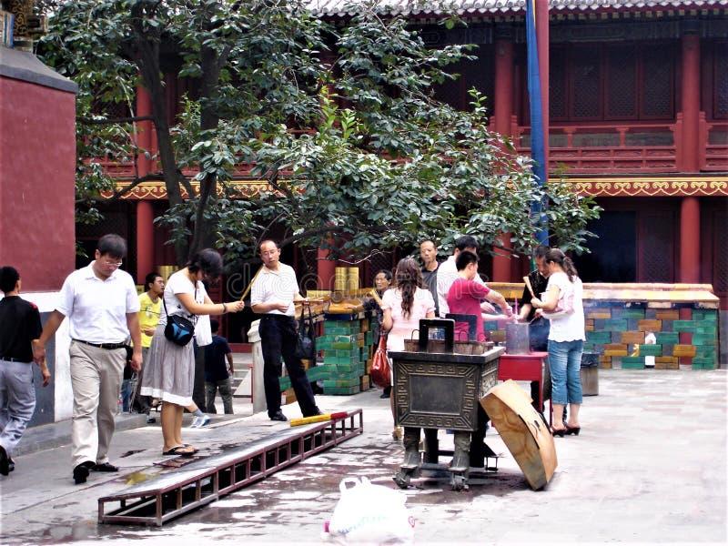 De Yonghe-Tempel in de stad van Peking, China Tibetaans Boeddhisme, geschiedenis en verering royalty-vrije stock foto
