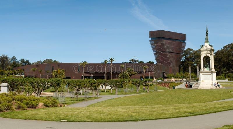 De Young Museum und Denkmal lizenzfreies stockbild