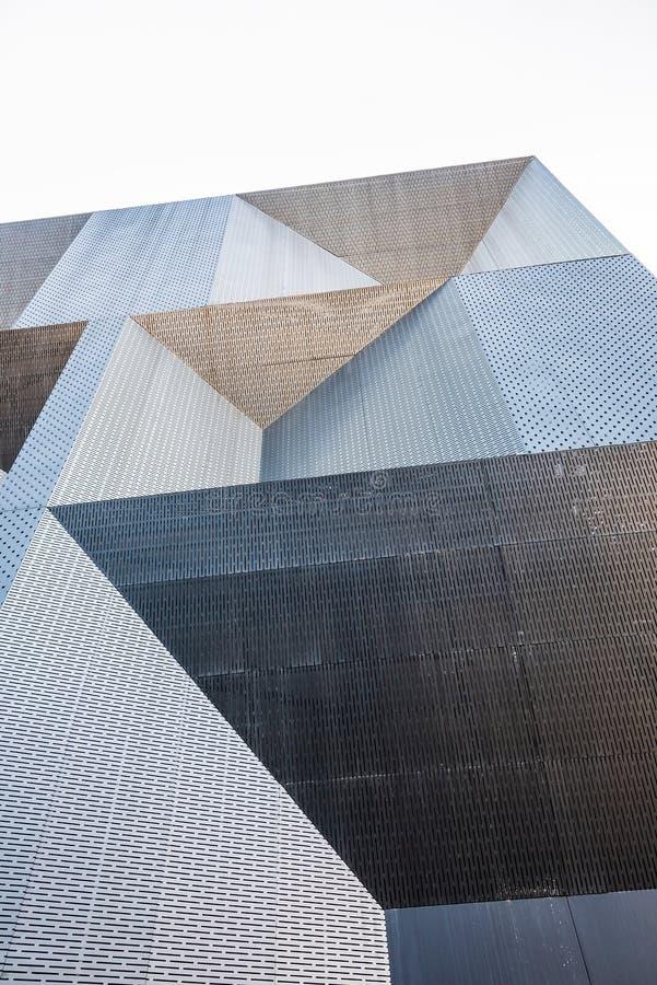 De yttre väggarna av den metalliska enkla avkänningen arkivbild