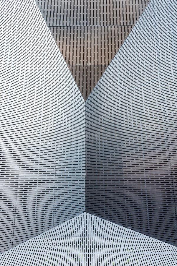 De yttre väggarna av den metalliska enkla avkänningen arkivbilder