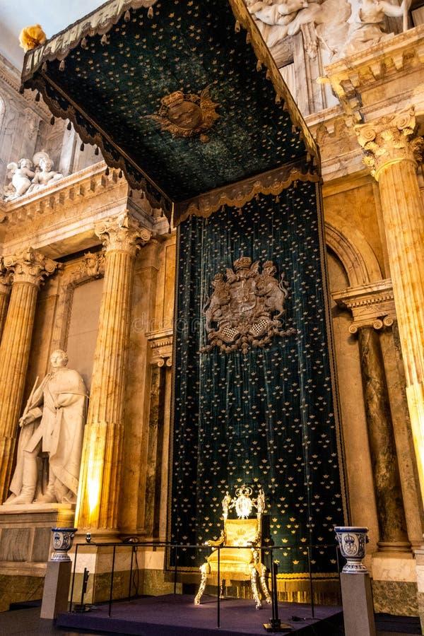 De Zaal van de Zaal van de akatroon van de Staat aka Rikssalen, Kungliga Slottet Royal Palace, Stockholm, Zweden royalty-vrije stock foto