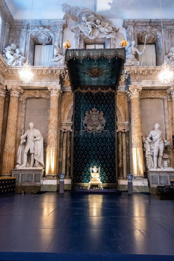 De Zaal van de Zaal van de akatroon van de Staat, Kungliga Slottet Royal Palace, Stockholm, Zweden royalty-vrije stock fotografie