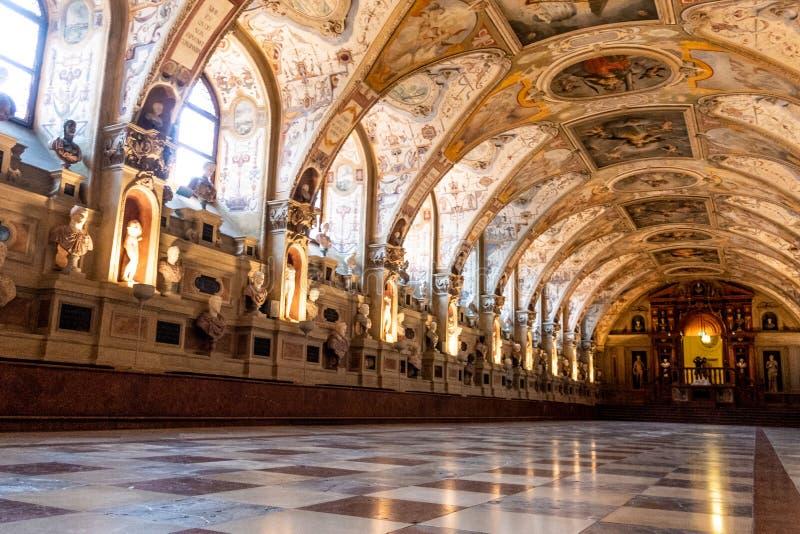 de Zaal van de 16de eeuwantiquarium van Antiquiteiten, Woonplaatspaleis, München, Duitsland stock fotografie