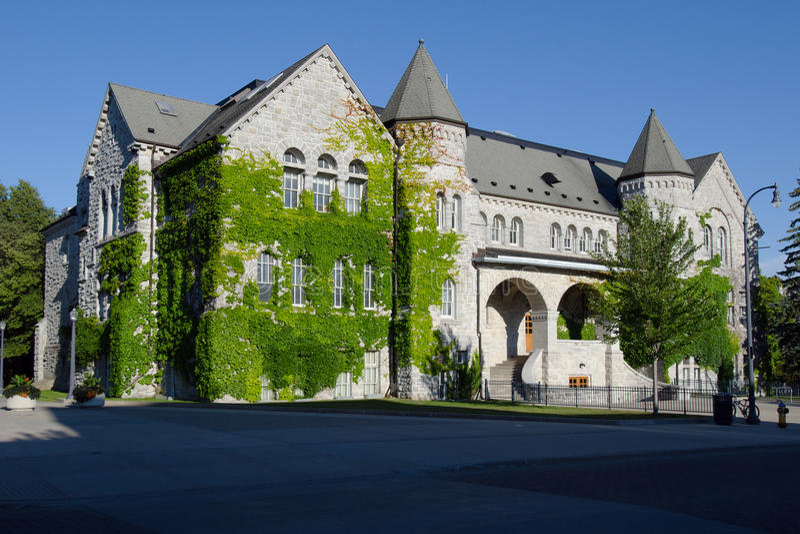 De Zaal van Ontario, Queensuniversiteit in Kingston stock foto's