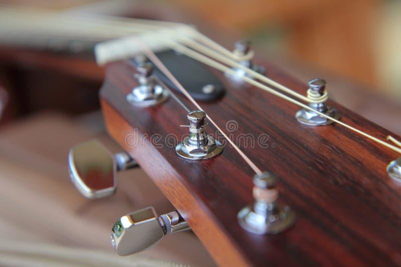 De zachte nadruk van gitaar stemt speld royalty-vrije stock afbeeldingen