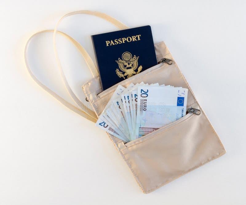 De Zak van de reishals met Paspoort en Euro royalty-vrije stock afbeeldingen