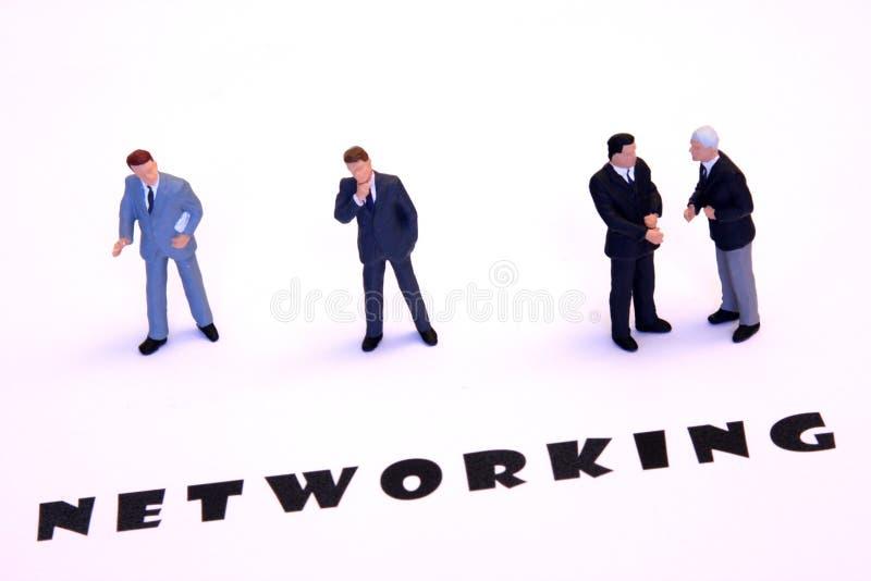 De zakenlieden van het voorzien van een netwerk royalty-vrije stock foto