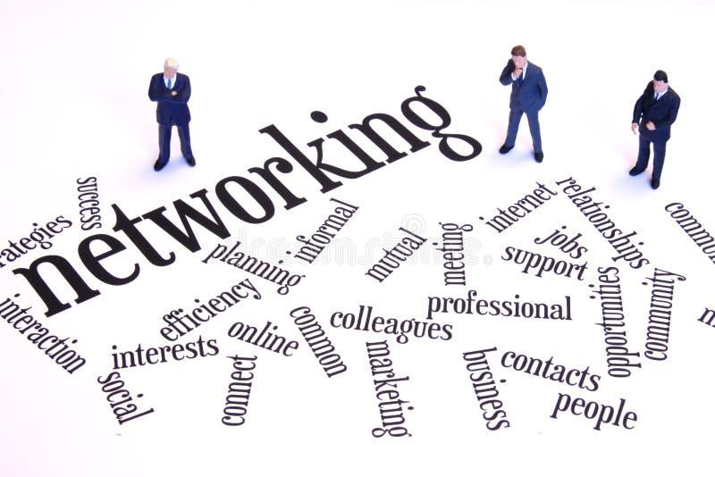 De zakenlieden van het voorzien van een netwerk