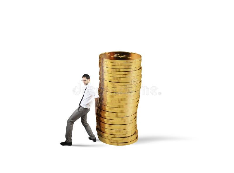 De zakenman beweegt een stapel van muntstukken concept moeilijkheid aan het besparen van geld royalty-vrije stock afbeeldingen